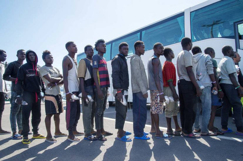 Il piano del Viminale: integrare i profughi? Ora tocca pure alle Regioni